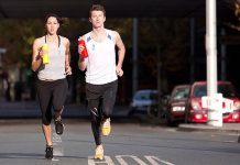 se pueden generar lesiones por correr con las manos ocupadas