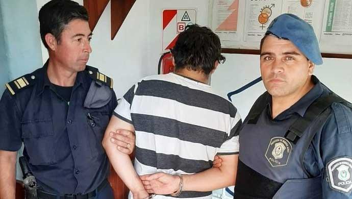 """Azul: no se bancó un corte de calle por el triatlón y """"marchó"""" preso"""