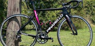 Roban dos bicicletas a una triatlonista y pide ayuda para recuperarlas